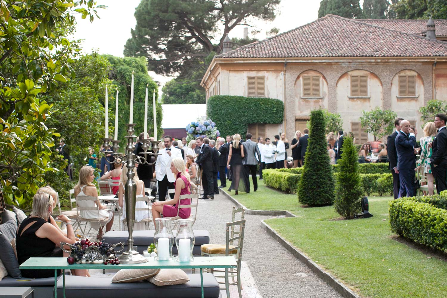Villa pizzo lake como wedding for Small private wedding venues
