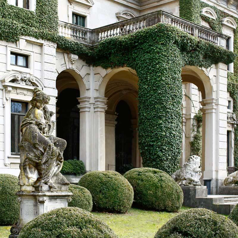 a Precious Villa in Cernobbio